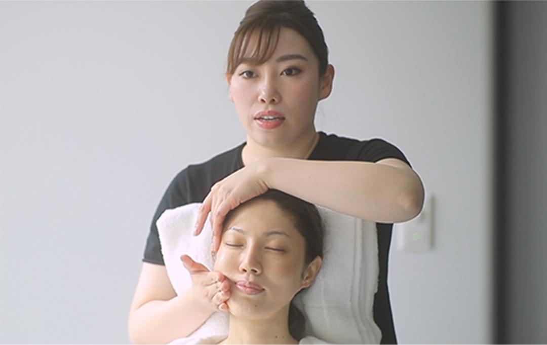 顔頭筋ストレッチリフト